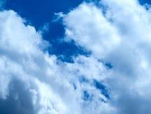 Helle Farben, teilweise Wolken stockbilder