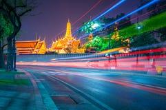 Helle gekrümmte Linien bei Wat Phra Kaew stockfotografie
