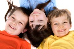 Helle lächelnde Kinder Stockbild
