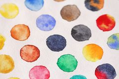 Helle mehrfarbige Kreise von Aquarellen Schließen Sie herauf Schuß Ba lizenzfreie stockbilder