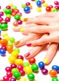 Helle Nägel und Süßigkeiten Lizenzfreies Stockbild