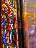 Helle Refections eines Buntglasfensters Stockfotos