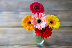 Helle Sommerblumen Stockbild