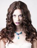 Helle Verfassung des blauen Auges, schönes Frauenportrait Stockfoto