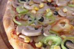 Helle weiße Pizza stockfotos