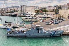 Helleens kustwachtschip in Heraklion, Griekenland royalty-vrije stock foto's