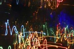 Heller abstrakter Hintergrund mit einem dunklen mittleren und hellen Neonli Lizenzfreies Stockbild