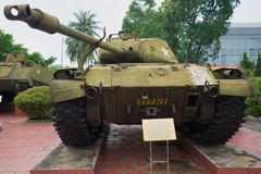 Heller Behälter M41 Walker Bulldog mit einem eingesetzten Turm Da Nang, Vietnam Stockbilder
