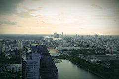 Heller blauer Himmel in Bangkok Lizenzfreies Stockbild