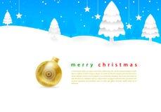 Heller blauer Himmel der frohen Weihnachten und weißes Schnee aro Stockfotografie