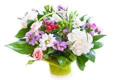 Heller Blumenblumenstrauß lizenzfreie stockbilder