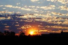 Heller farbiger Sonnenaufgang Lizenzfreie Stockbilder