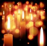 Heller Feiertagshintergrund der Kerze Lizenzfreie Stockfotos