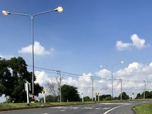 Heller Glanz auf der Autobahn Stockfotografie