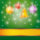 Heller Hintergrund der Feier mit Band Weihnachtsbaum und Bällen Vektor Lizenzfreie Stockfotografie