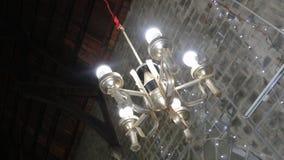 Heller Kirchenphotographiewinkel von Lichtern Stockbilder