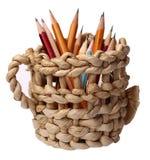 Heller Korb mit Bleistiften, Licht, Rot, Blau, Bleistift, Gelb, Feiertag, Schönheit, Dekoration, Hintergrund, Weiß, Braun, Natur Stockbild