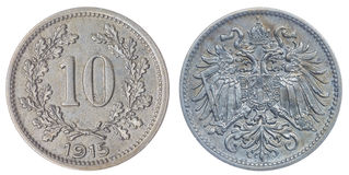 10 heller 1915 Münze lokalisiert auf weißem Hintergrund, Austro-Hungari Lizenzfreie Stockbilder