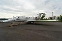 Heller Phenom 300 Geschäftsjet-Embraers EMB-505 stockfotografie