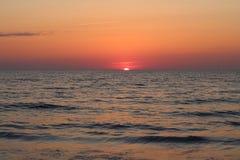 Heller Sonnenuntergang stockfotografie