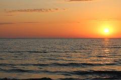 Heller Sonnenuntergang lizenzfreie stockfotos