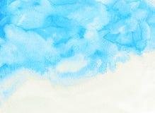 Heller Wolken- und Himmelaquarellhintergrund Lizenzfreie Stockfotos