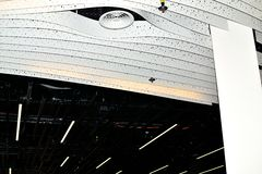 helles Konzept des Entwurfes der modernen Kunst in Schiphol-Flughafen in Holland Stockfoto