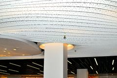 helles Konzept des Entwurfes der modernen Kunst in Schiphol-Flughafen in Holland Stockfotografie