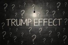 Helles Lampe und Trumpf-Effektwort Stockfotos