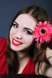 Helles Mädchen mit Blume Stockbild
