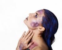 Helles ungewöhnliches Make-up, kreative Körperkunst des Raumes und Sterne Stockfotografie