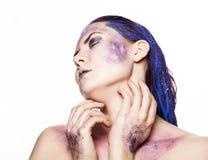 Helles ungewöhnliches Make-up, kreative Körperkunst des Raumes und Sterne Lizenzfreies Stockfoto