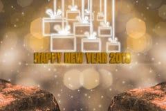 Helligkeits-Thema des Goldes, 2019 guten Rutsch ins Neue Jahr mit funkelndem goldenem hellem bokeh und funkelndem Hintergrund und stockbild