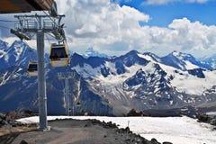 Helling op de het ski?en toevlucht Elbrus royalty-vrije stock foto