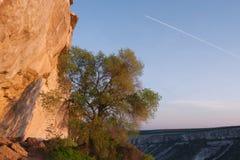 Hellingen van bergcanion, de Krim, Bakhchisaraj Royalty-vrije Stock Afbeeldingen