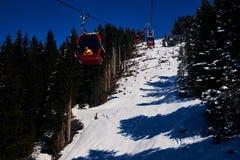Hellingen van het ski?en toevlucht Royalty-vrije Stock Afbeeldingen