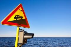Hellingsverkeerslicht op een schip Voorzichtigheids waakzame nieuwsgierigheid warnin Stock Foto's