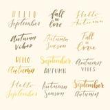 Hello-de herfst het van letters voorzien Royalty-vrije Stock Afbeeldingen