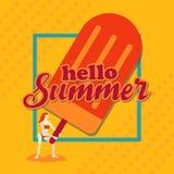Hello-de zomer, Vrouw met Roomijs en grens, Oranje toonontwerp Royalty-vrije Stock Foto