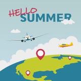 Hello-de zomerillustratie met vliegtuig en de bol Stock Afbeelding