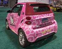 Hello Kitty mądrze Fortwo ED Cabrio EV Fotografia Royalty Free