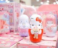 Hello Kitty y gabinetes del caramelo de los amigos fotografía de archivo libre de regalías