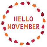 Hello November, kortet med höstsidor, text i hand märkte stilsorten Royaltyfri Fotografi