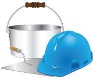 Helm en troffel met emmer cement Royalty-vrije Stock Foto's