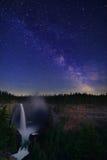 Helmcken秋天和银河,维尔斯灰色省公园 库存照片