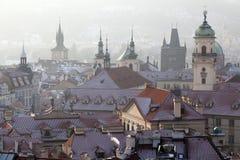 Helme und Dachspitzen, alte Stadt, Prag Stockfotografie