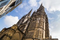 Helme von Cathedrale Sainte Marie de Bayonne France stockfotografie