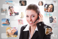 Helplineoperatör på telefonen Royaltyfria Bilder