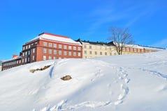 Helsínquia. Arquitectura da cidade rochosa do inverno Fotos de Stock Royalty Free