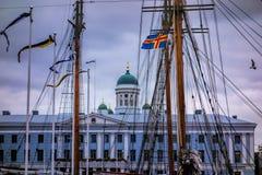 Helsínquia atrás dos mastros Fotos de Stock Royalty Free